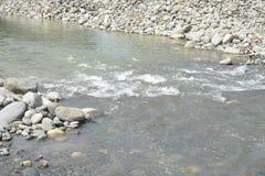 Piaska i żwiru agregaty przy Mal riverbank, Matanao, Davao Del Sura, Filipiny zdjęcia royalty free