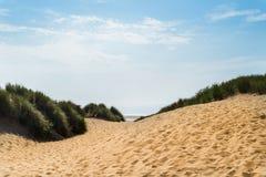 Piaskowata Formby plaża blisko Liverpool na słonecznym dniu zdjęcia royalty free