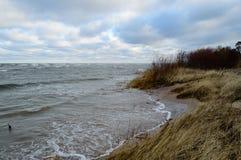 piaskowata morze plaża z szeroką kąt perspektywą Fotografia Stock