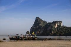 Piaskowata plaża gdy odpływu przypływ Zdjęcia Stock
