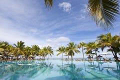 piaskowaty plażowy ocean Miesiąc miodowy na tropikalnej wyspie Mauritius Obrazy Stock
