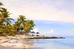 piaskowaty plażowy ocean Miesiąc miodowy na tropikalnej wyspie Mauritius Obraz Stock