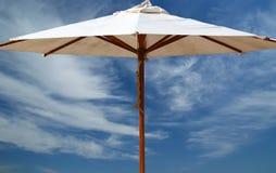 piaskowaty plażowy parasol Fotografia Stock