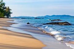 piaskowaty plażowy wczesny poranek Obraz Royalty Free