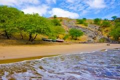 Piaskowaty Seashore, Tropikalna plaża S Francisco, natura - przylądek Verde Obrazy Royalty Free