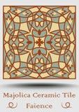 Piastrella di ceramica di faenza Maiolica ceramica d'annata nel verde beige e verde oliva ed in terracotta di rosso Prodotto spag Immagini Stock