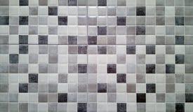Piastrella per pavimento ceramica tradizionale in bianco e nero fotografie stock libere da diritti