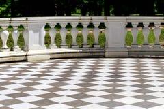 Stock piastrelle per garage creativo pavimento giardino