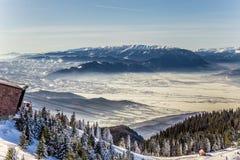 Piatra Craiului gesehen von Postavarul-Spitze, Brasov, Siebenbürgen, Rumänien stockfoto