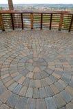Piattaforma circolare di vista del patio del giardino del mattone Fotografia Stock Libera da Diritti