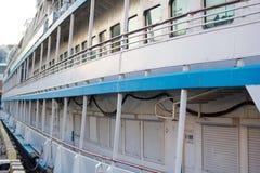 Piattaforma del lato del traghetto immagine stock