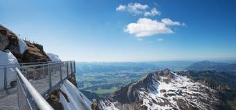 Piattaforma dell'allerta alla sommità del nebelhorn, alpi di allgau Immagine Stock Libera da Diritti
