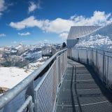 Piattaforma dell'allerta alla sommità del nebelhorn, alpi di allgau Immagini Stock Libere da Diritti