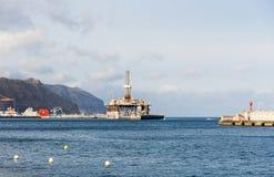 Piattaforma dell'impianto offshore e del gas nel porto di Tenerife Fotografia Stock Libera da Diritti