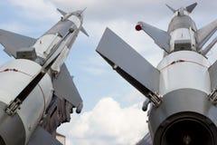 Piattaforma di lancio per i razzi militari Fotografia Stock