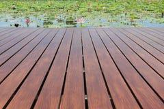 Piattaforma di legno vuota Fotografia Stock