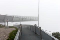 Piattaforma di osservazione di Alpspix in nebbia pesante Le alpi bavaresi Fotografie Stock Libere da Diritti
