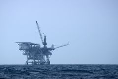Piattaforma di perforazione in mare aperto Fotografia Stock