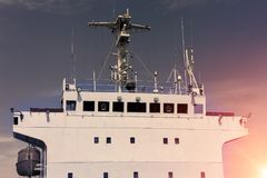 Piattaforma di ponte e comunicazione della nave da carico Fotografia Stock Libera da Diritti