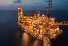 Piattaforma di produzione di petrolio Immagine Stock