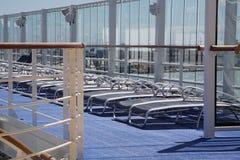 Piattaforma di Sun su una nave da crociera Immagine Stock