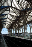 Piattaforma di una stazione ferroviaria Immagine Stock Libera da Diritti