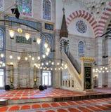 Piattaforma e posto adatto minbar decorati di marmo, moschea di Suleymaniye, Costantinopoli, Turchia Immagini Stock Libere da Diritti
