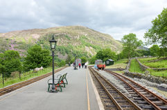 Piattaforma ferroviaria a Beddgelert, Galles Immagine Stock Libera da Diritti