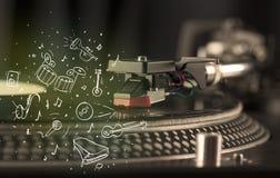 Piattaforma girevole che gioca musica classica con gli strumenti estratti icona Immagini Stock Libere da Diritti