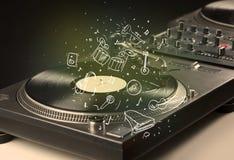 Piattaforma girevole che gioca musica classica con gli strumenti estratti icona Fotografia Stock Libera da Diritti
