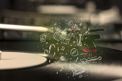 Piattaforma girevole che gioca musica classica con gli strumenti estratti icona Immagini Stock