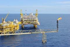 Piattaforma in mare aperto del gas e del petrolio Fotografia Stock