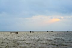 Piattaforme di petrolio marino fotografia stock libera da diritti