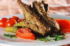 Piatti caldi della carne - agnello con l'osso Fotografie Stock Libere da Diritti