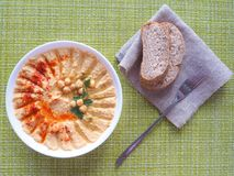 Piatti dei ceci hummus Cucina del Medio-Oriente magra immagini stock libere da diritti
