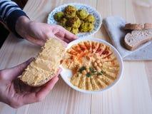 Piatti dei ceci hummus Cucina del Medio-Oriente magra fotografia stock