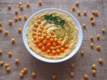 Piatti dei ceci hummus Cucina del Medio-Oriente magra fotografia stock libera da diritti