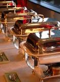 Piatti di Cheffing per buffet fotografia stock