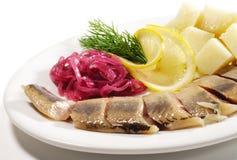 Piatti di pesci freddi - Kipper con la patata Immagini Stock Libere da Diritti