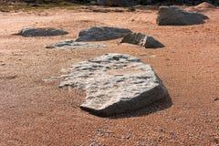 Piatti di pietra in sabbia immagini stock libere da diritti