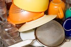 Piatti, piatti ed essiccamento delle tazze Fotografie Stock