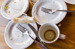 Piatti sporchi dopo il cibo immagini stock libere da diritti