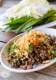 Piatti tailandesi dell'insalata tritata piccante della carne di maiale o della carne di maiale tritata piccante Fotografia Stock