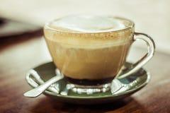 Piattino verde della tazza da caffè Fotografia Stock Libera da Diritti