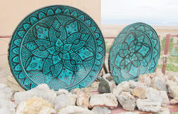 Piatto antico verde del ricordo e minerali di cristallo Immagine Stock Libera da Diritti