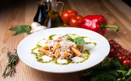 Piatto bianco con Spaghett Fotografia Stock