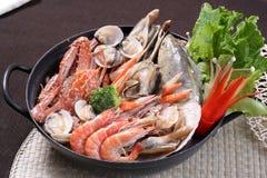 Piatto chaffy dei frutti di mare delle verdure Immagini Stock