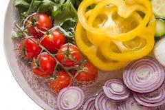 Piatto con gli ortaggi freschi Fotografie Stock