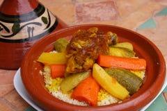 Piatto del cuscus del Marocco Immagini Stock Libere da Diritti
