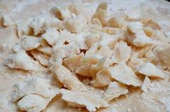 Piatto del formaggio dell'assaggio sul piatto di porcellana Fotografia Stock Libera da Diritti